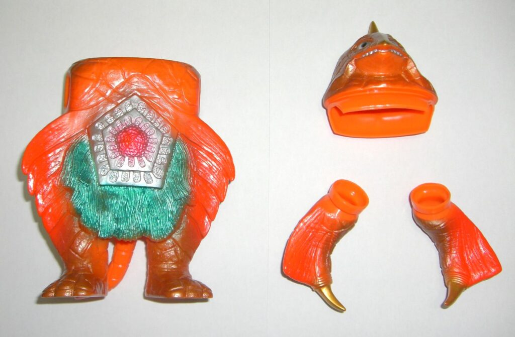 "The project to make soft vinyl monster dolls walk on batteries: Space large monster ""Bemstar"""