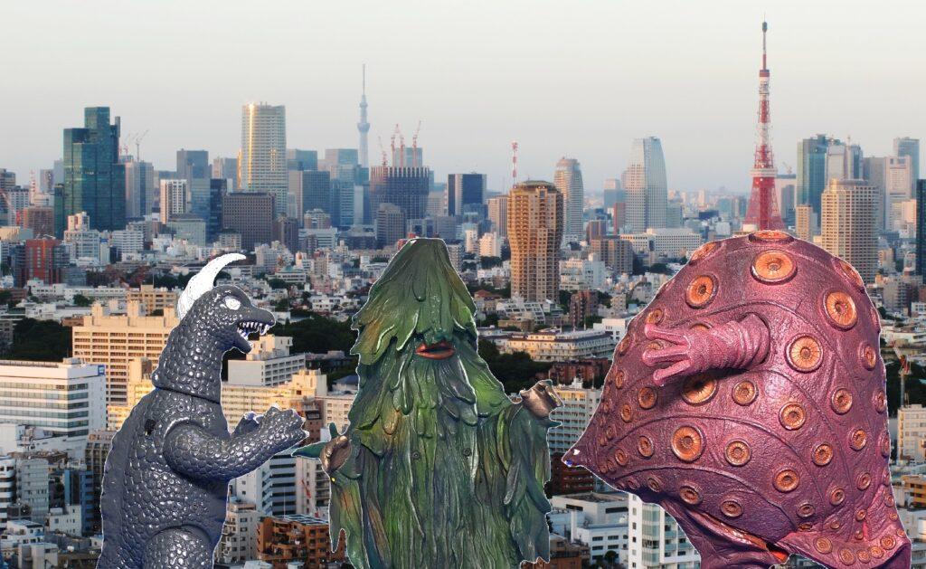 The project to make soft vinyl monster dolls walk on batteries: Destroy All Monsters