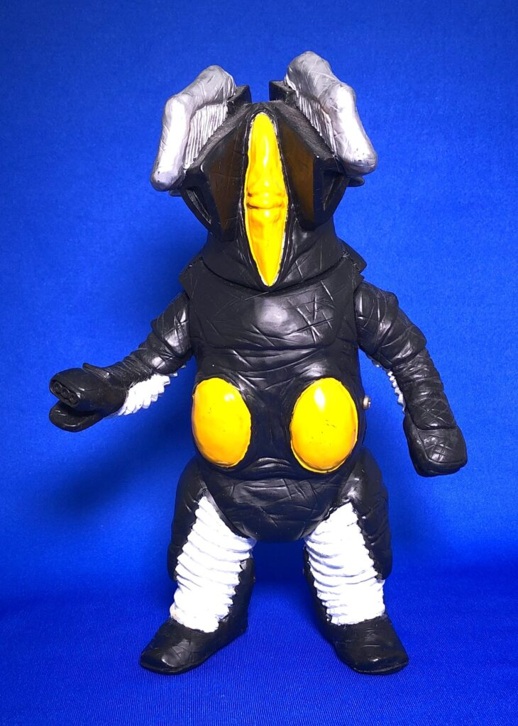 """The project to make soft vinyl monster dolls walk on batteries: Space dinosaur """"Z-ton the second generation"""""""